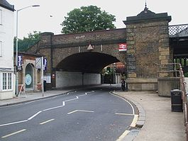 Barnes Bridge stn north entrance.JPG
