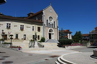 Barraux - The town hall and church of Barraux