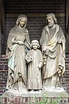 foto van Beeldengroep van de H. Familie in Neogotische stijl