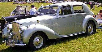 Triumph Renown - Image: Bentley Mark VI 4 Door Saloon 1948