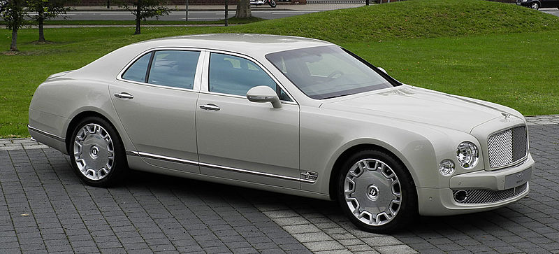 File:Bentley Mulsanne – Frontansicht (2), 30. August 2011, Düsseldorf.jpg