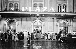 Plaza 1938, Willy Pragher [CC BY 3.0 (https://creativecommons.org/licenses/by/3.0)], via Wikimedia Commons