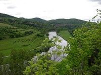 Tok řeky Berounky pod Tetínem