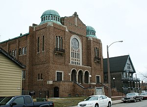 Congregation Beth Israel (Milwaukee) - Beth Israel's former synagogue, on Teutonia Avenue, in use from 1925 to 1960