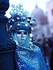 Blaue Maske Karneval in Venedig.jpg