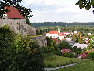 Tittmoning - Castle and town
