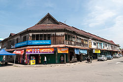 Pre-World War II shophouses in Bongawan.
