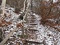Boreč (České středohoří), schody.jpg