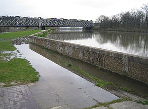 Bow Creek (London) - Bow Creek flooding at high tide