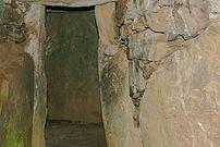 Bryn Celli Ddu - interior view