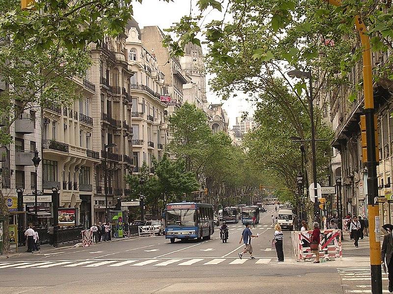 File:Buenos Aires-Av. de Mayo.jpg