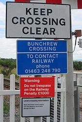 Bunchrew Level Crossing (9591065707).jpg