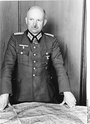 Kurt Zeitzler - Image: Bundesarchiv Bild 101I 185 0118 14, Oberst Kurt Zeitzler
