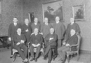 First Luther cabinet - From left to right (first row): Gustav Stresemann, Hans Luther, Martin Schiele, Josef Frenken; (second row) Gerhard von Kanitz, Heinrich Brauns, Albert Neuhaus, Karl Stingl, Rudolf Krohne, Otto von Schlieben