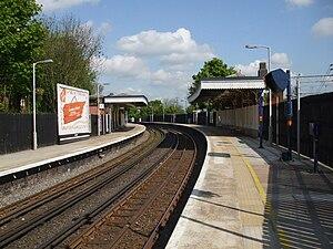 Bushey railway station - Image: Bushey station Overground platforms looking north