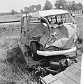 Busje botste tegen goederentrein in Den Ham , het vernielde busje, Bestanddeelnr 916-5866.jpg