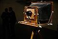 Câmera antiga na Exposição Artesania Fotográfica, no Espaço Cultural BNDES (35487723754).jpg