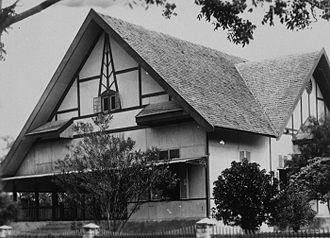 Palu - Palu : the Dutch controleurs residence in the 1930s