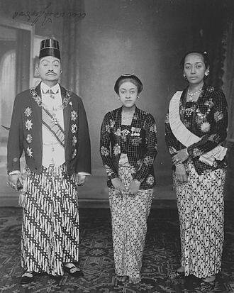 Susuhunan - Susuhanan Pakubuwono X and his family