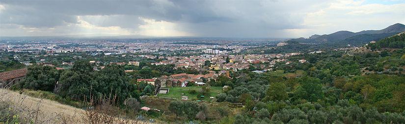 Bon Vendredi 825px-Campania_Caserta1_tango7174