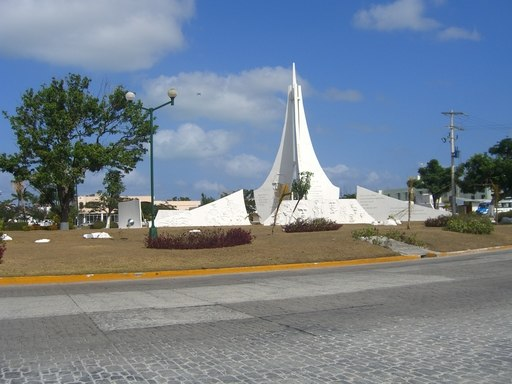 Cancun-Central-Square