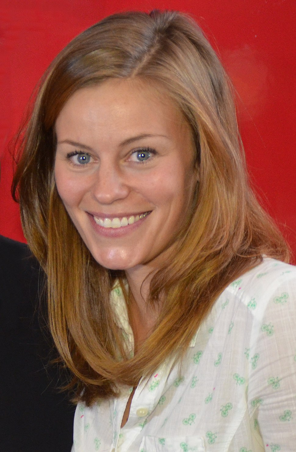 Cassidy Freeman Oct 2014 (cropped)