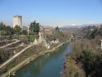 Trezzo sull'Adda Bridge - The Trezzo sull'Adda Bridge provided access to the Visconti castle over the Adda. At the left-hand side, one abutment with remnants of the sharply rising arch vault are visible.