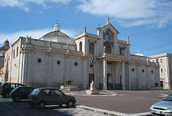 Cattedrale di Manfredonia.jpg