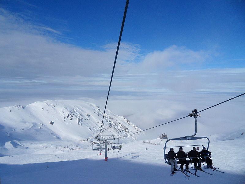 File:Chairlift Mt Hutt, NZ.jpg