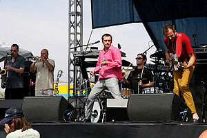 Cherry Poppin Daddies 2007.jpg