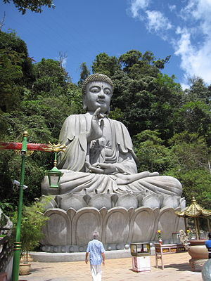 Chin Swee Caves Temple - Giant Buddha statue