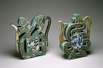 "Fu (character) - Image: Chinese Pair of ""Famille Verte"" Wine Pots in the Form of the Characters Walters 492347, 492393 Group"