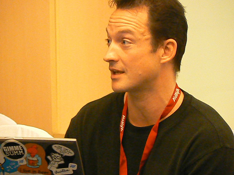 Файл:Chris Avellone.jpg