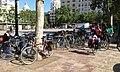 Cicloturistes de la ruta dels Ibers a la plaça de l'Ajuntament de València.jpg