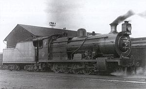 South African type TM tender - Image: Class 1A no. 1300 & Type TL