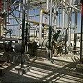 Collectie Nationaal Museum van Wereldculturen TM-20029604 Arbeider in de chemische industrie Aruba Boy Lawson (Fotograaf).jpg