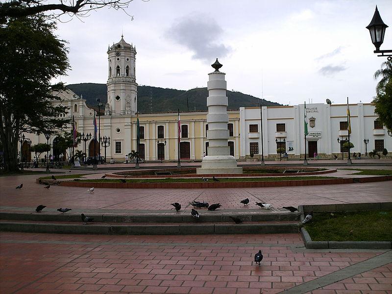 Columna de la Libertad de los Esclavos Plaza 29 de mayo.JPG