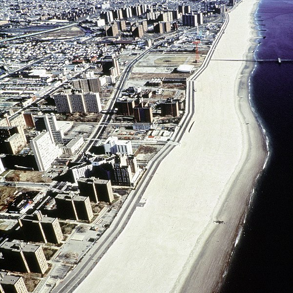 ملف:Coney Island beach aerial view.jpg