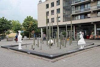 Constant Nieuwenhuys - Constant Nieuwenhuis fountain - 1970, Kooiplein in Leiden