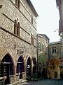 Cordes-sur-Ciel - Grand Rue - Première enceinte Est - Porte de Rous ou Portail peint.JPG