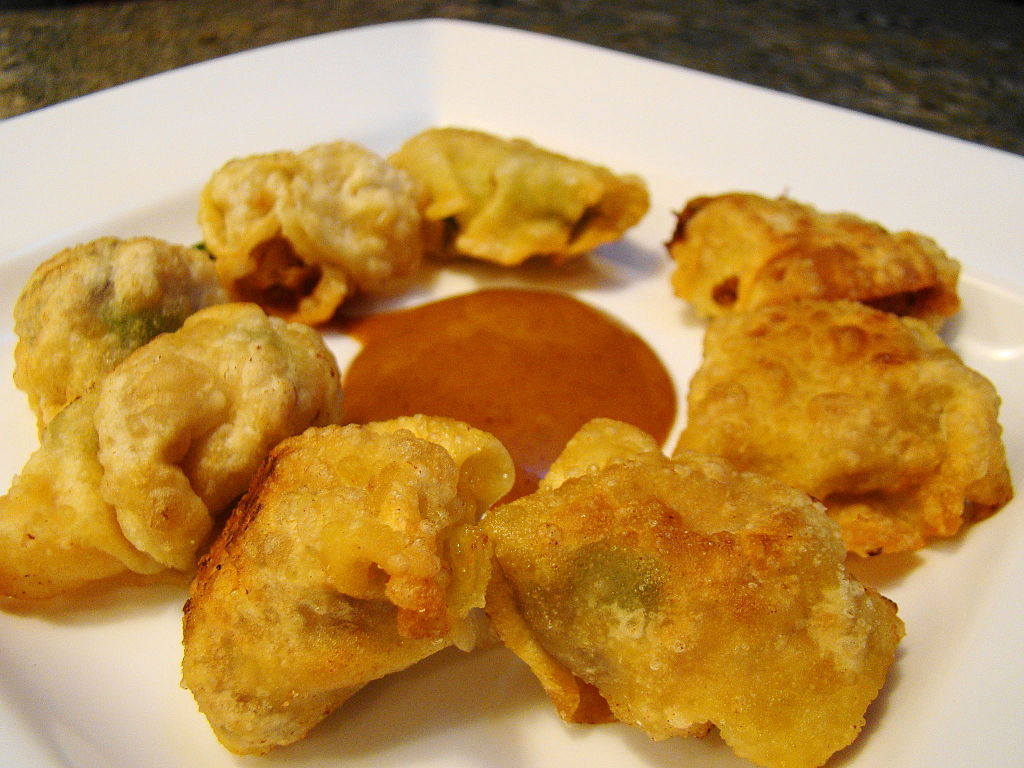File:Crispy Vegetable WonTon with Chipotle Orange Sauce (3680182285 ...