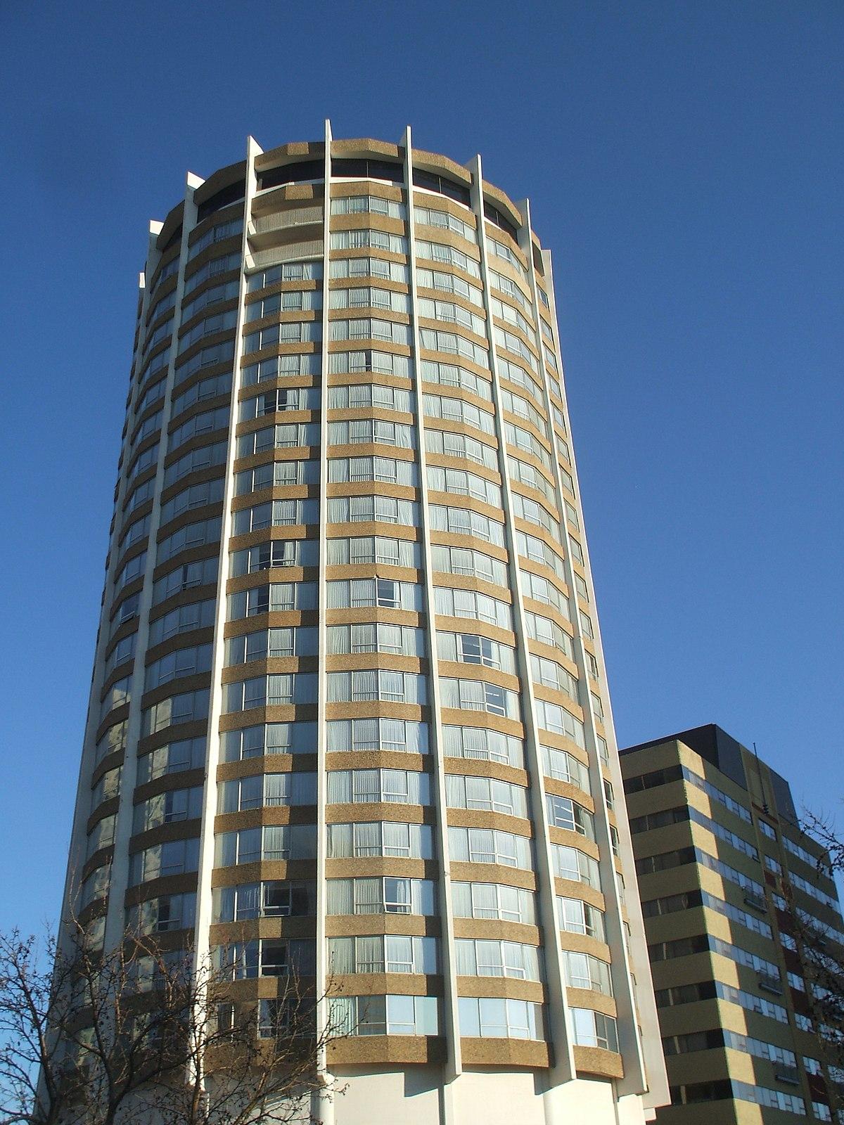 Edmonton: Chateau Lacombe Hotel