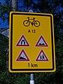 Dalejské údolí, varovná tabule pro cyklisty.jpg
