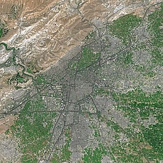 Damascus in spring seen from Spot satellite Damascus SPOT 1363.jpg