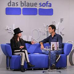 deutsche reife auf sofa.