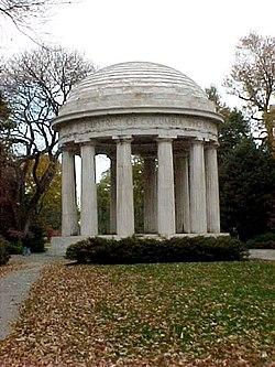 Dc war memorial.jpg