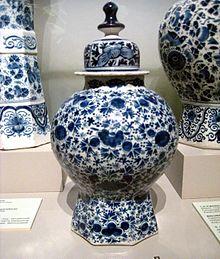 Defltware vase
