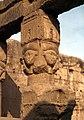 Dendera-10-Tempel-Hathor-Saeule-1982-gje.jpg