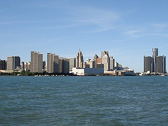Riverfront Towers - Image: Detroit Skyline 2005