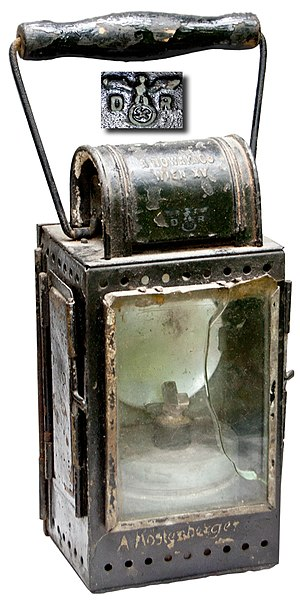 Deutsche Reichsbahn - WWII Reichsbahn military marked railwayman's carbide burner lantern (ca. 1942)